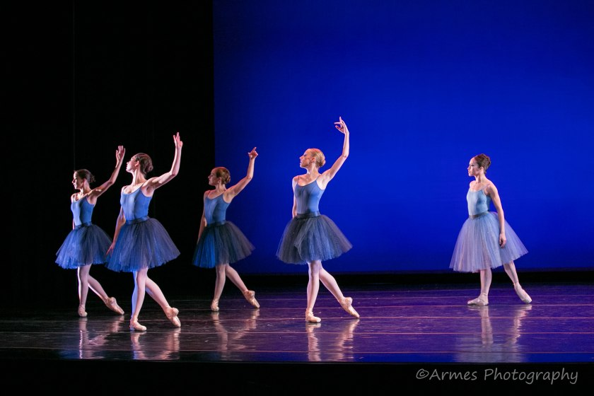 "Marria Cosentino, Sarah Newton, Lola Cooper, Ashley Hathaway, and Jan Burkhard in Zalman Raffael's ""Rhapsody in Blue."" © Nigel Armes."