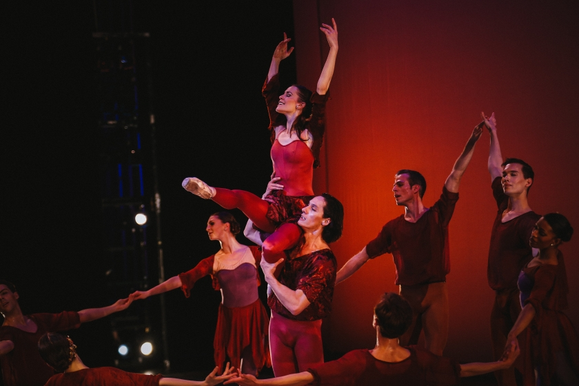 "FALL with Lara O'Brien, Marcelo Martinez, and company dancers. Weiss' premiere of ""Vivaldi's Four Seasons."" Photo by Tim Lytvinenko, 2014."