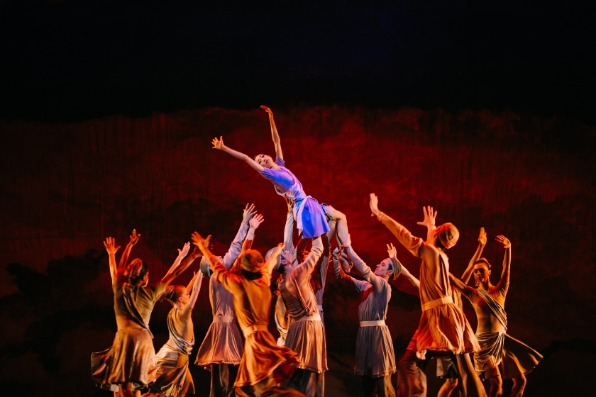 "Margaret Severin-Hansen with the Company Congregation in Weiss' ""Messiah."" Photo by Tim Lytvinenko, 2014."