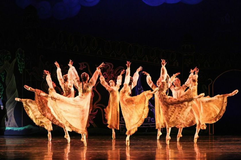 "Company ladies as princesses in Robert Weiss' ""Firebird."" Photo by Denise Cerniglia, 2014."