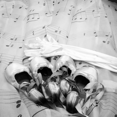 Pointe shoes, gloves and music notes. Instagram taken by Cecilia Iliesiu, 2015.